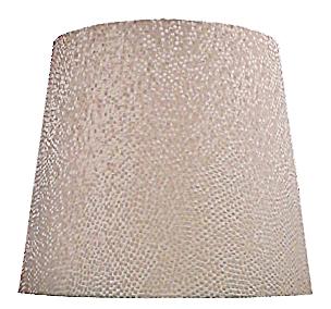ABAT JOUR  AMERICAIN 09 <p>Fabrication sur mesure d&#8217;un grand abat-jour conique américain revêtu d&#8217;un tissu beige à reliefs.</p>