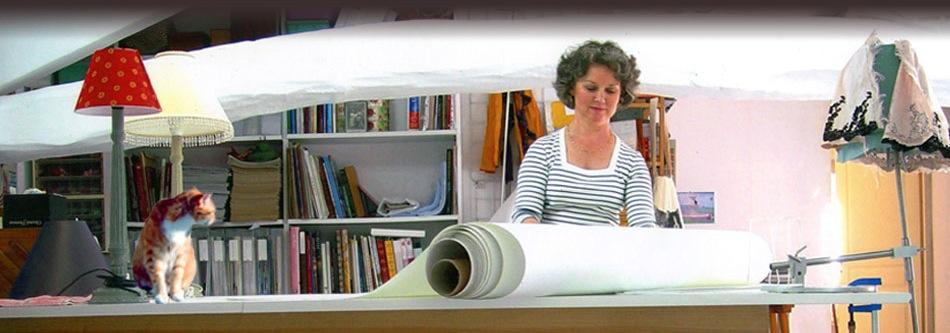 abat jour en soie peinte les abat jour sur mesure de l 39 atelier du chat qui veille. Black Bedroom Furniture Sets. Home Design Ideas